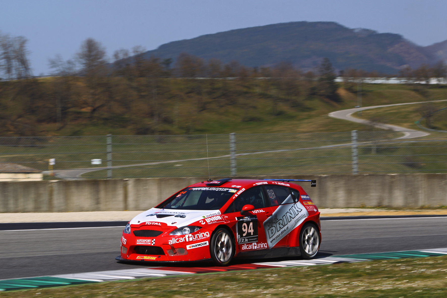 PREFA-Racing-Team_12h-Mugello-2015_FRYB1980.JPG